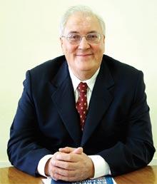 O Professor João Manuel Cardoso de Mello, fundador da FACAMP e da UNICAMP, responde as perguntas mais freqüentes que lhe têm sido feitas em suas palestras para vestibulandos.