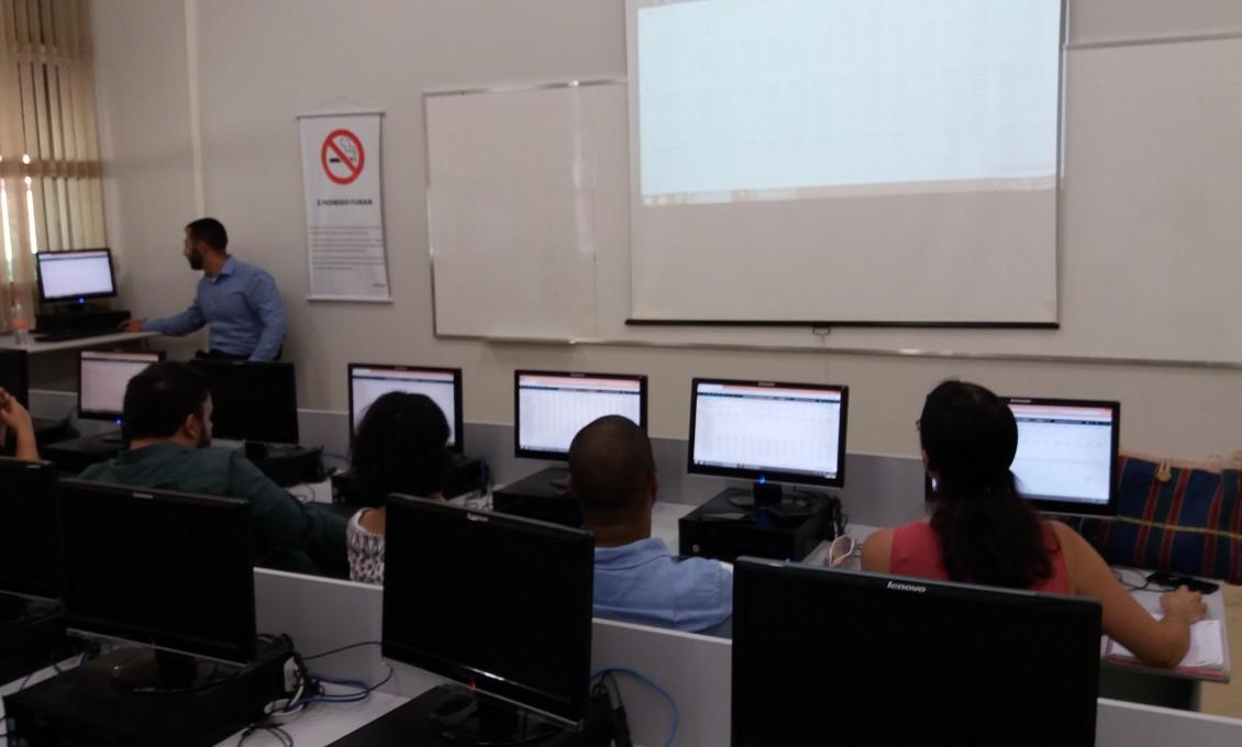 Treinamento de Atualização para o uso da Base de Dados Financeiros ECONOMATICA