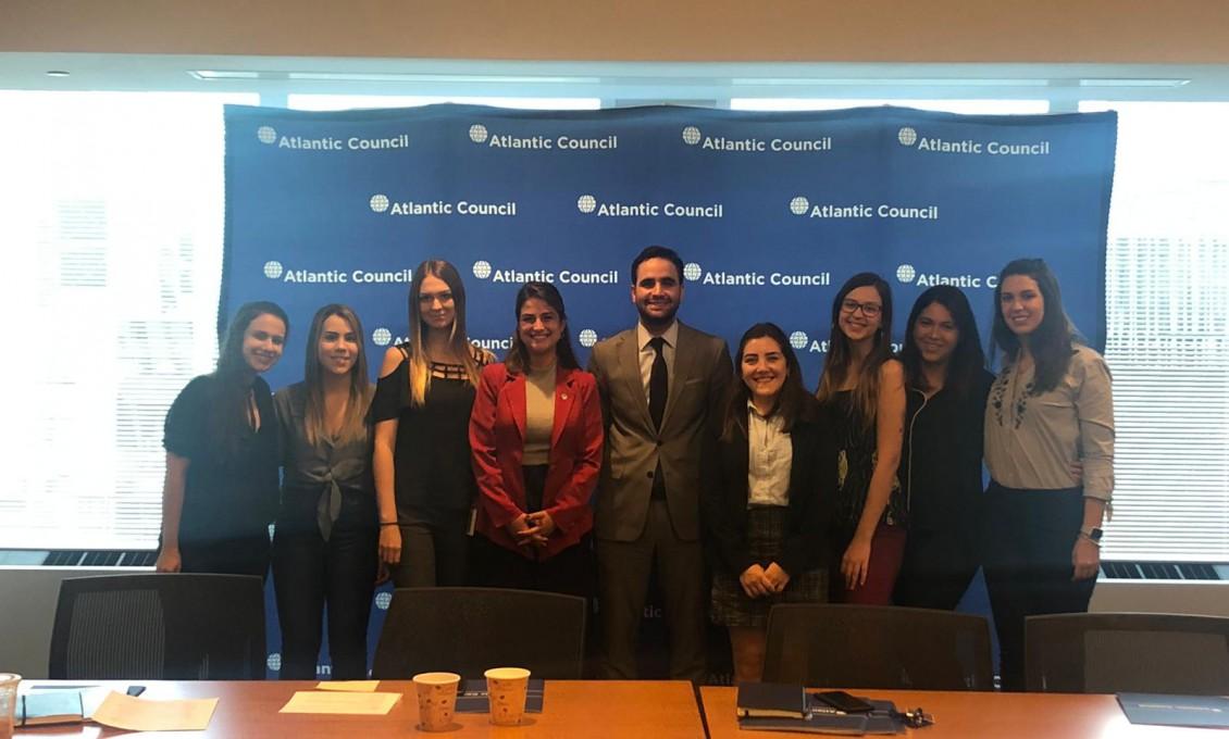 Educação Internacional: Atlantic Council e Banco Mundial
